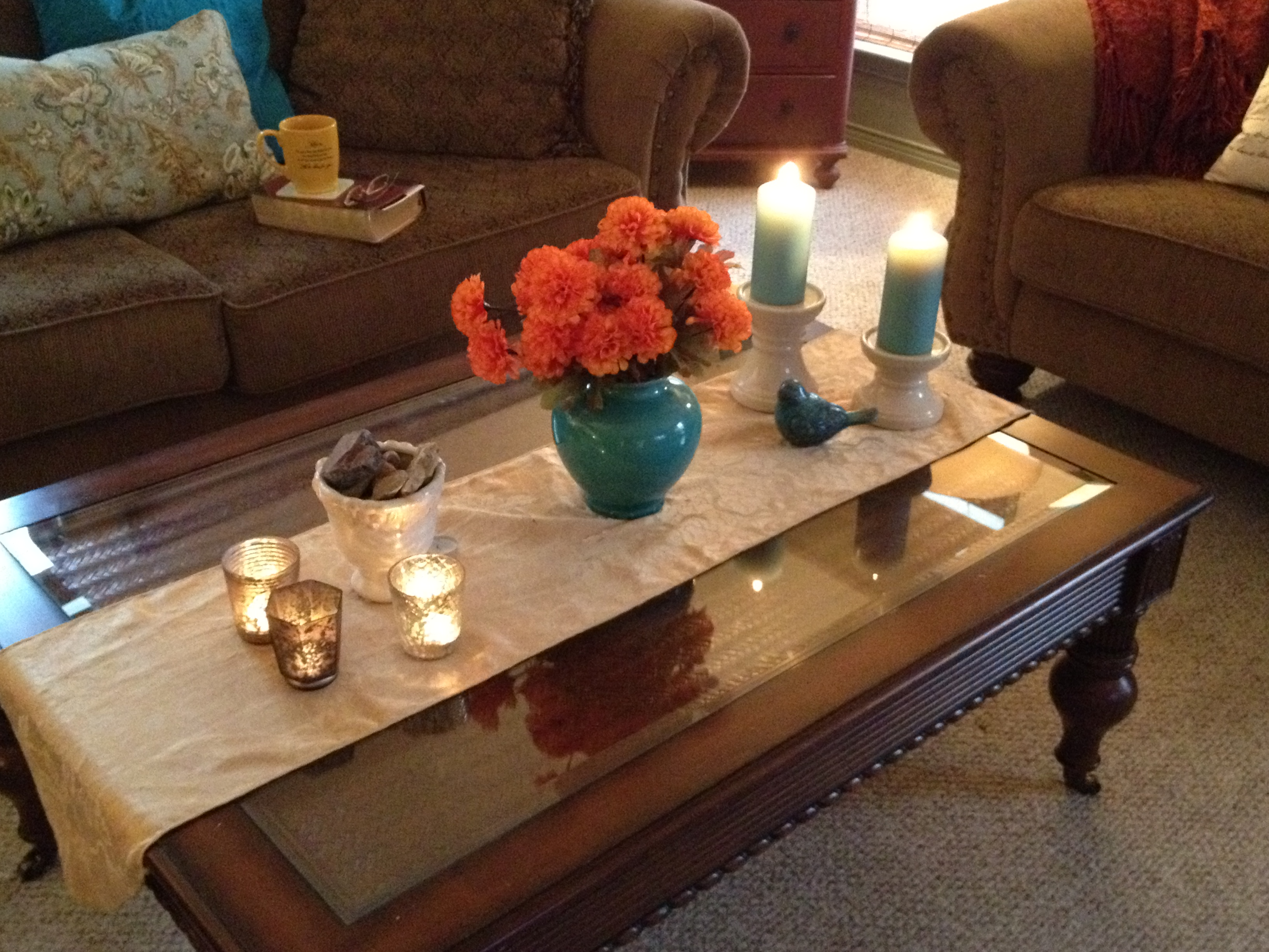 Living Room Table Runners – Modern House